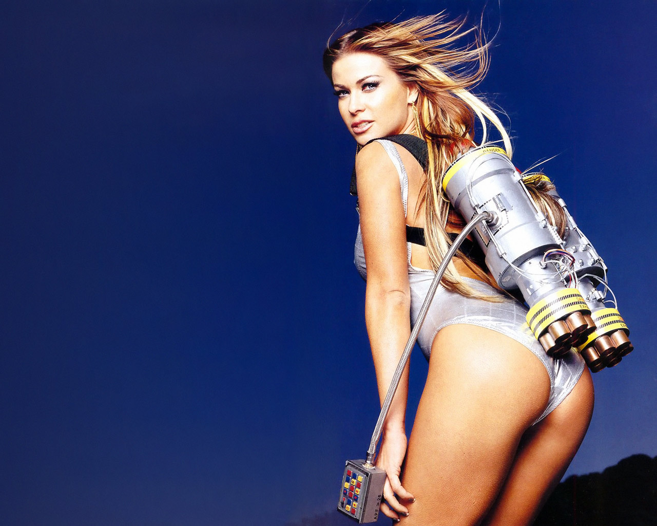 http://4.bp.blogspot.com/-NvhQzJ5A3Pc/TePlhbJwE2I/AAAAAAAAAGA/a5oSn6FrtIg/s1600/Carmen+Electra+%252819%2529.jpg