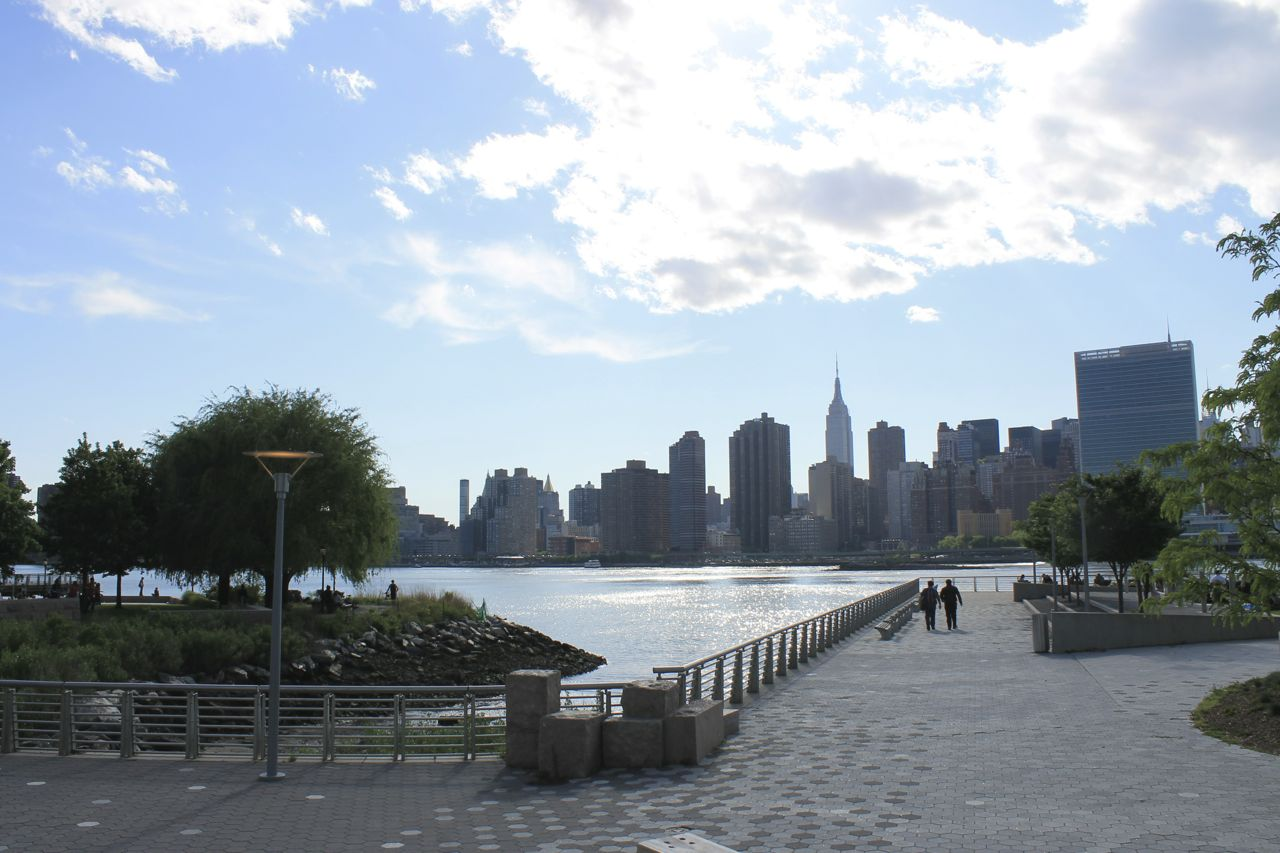the new waterfront gantry plaza state park long island city. Black Bedroom Furniture Sets. Home Design Ideas