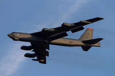 https://en.wikipedia.org/wiki/File:B-52_Takeoff_Tinker_05.jpg