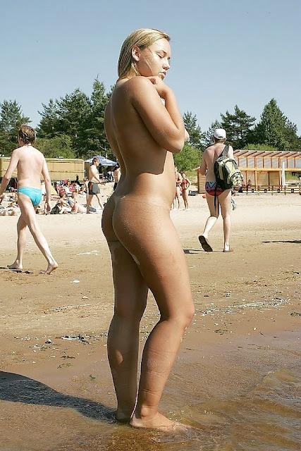 FotosNua.Com loira tesuda pelada na praia