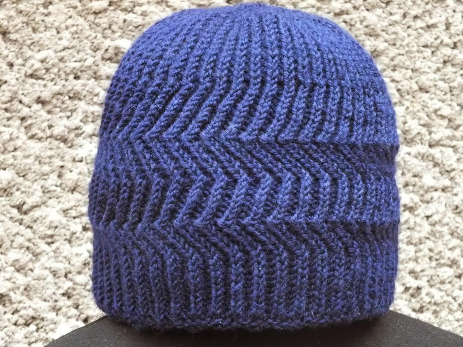 Вязание спицами двухсторонние шапочки