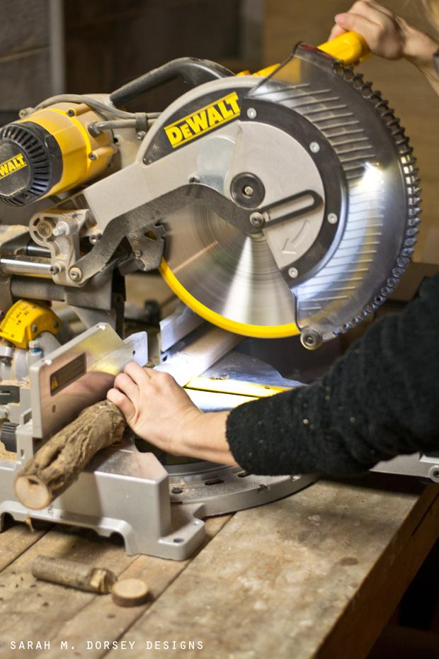 Sarah m dorsey designs diy wood slice wreath tutorial for How to cut wood slices
