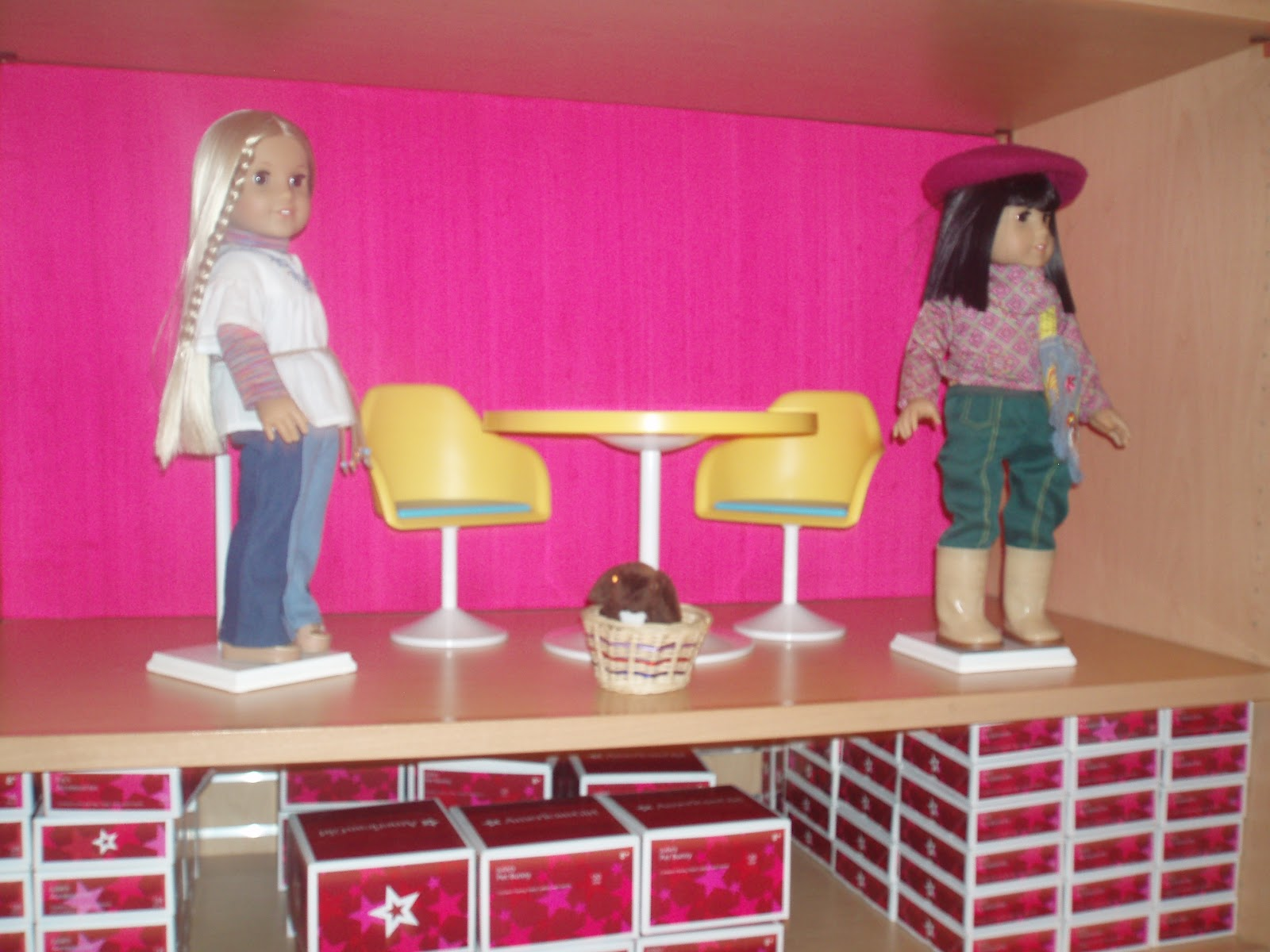 Here s Julie with her BFF Ivy and her pet bunny  Check out the ultra cool  kitchen table and chairs  I dig the sunny yellow color  but I remember lots  of. American Girl Spotlight  Julie