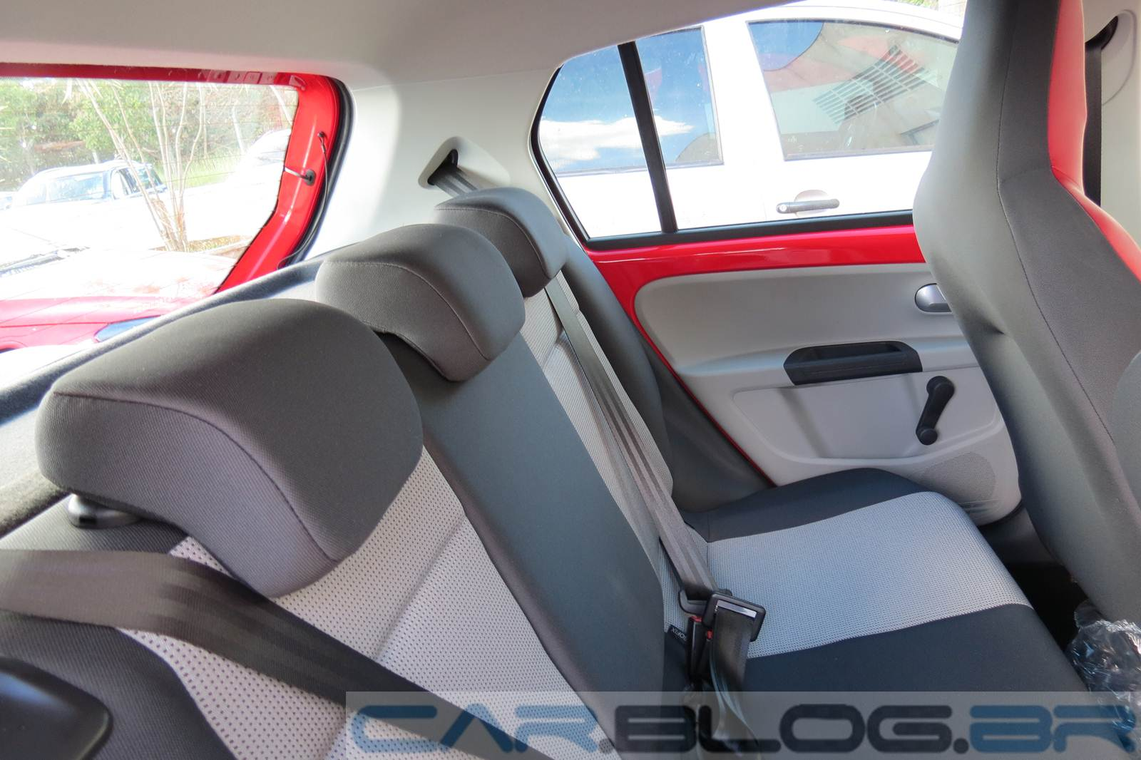Volkswagen up! - interior - versão High-up!