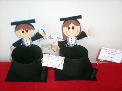 Centros de mesa para festa de formatura feito com bexigas