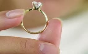 مراهقة عمرعا 16 تضرب عن الطعام طلباً للزواج