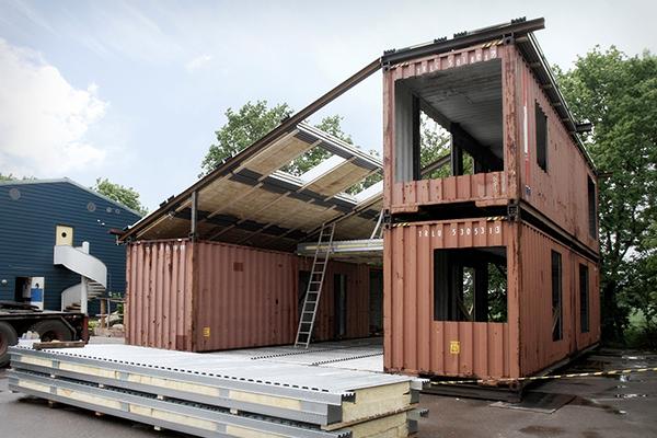 Casas minimalistas y modernas casa minimalista construida for Casas de container modernas