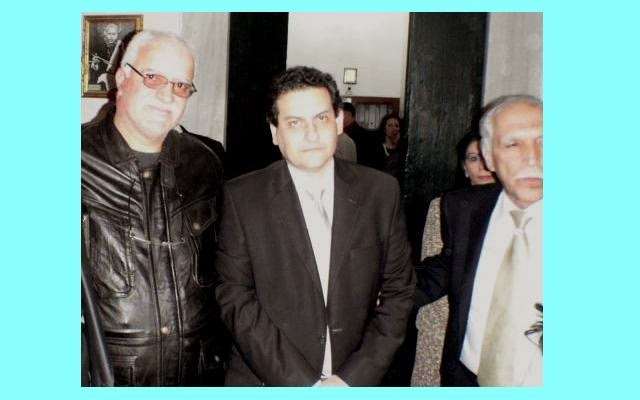 السيد وزير الثقافة يتوسط السيدين الهادي الموحلي و سمير الجنحاني