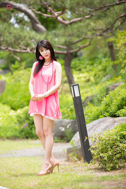 2 Lee Ji Woo in Pink - very cute asian girl - girlcute4u.blogspot.com