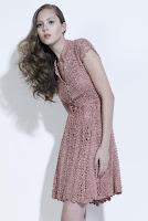 Вязаное крючком платье в воланами