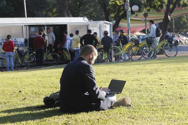 36 mil sitios públicos en México tendrán acceso a internet gratis: SCT