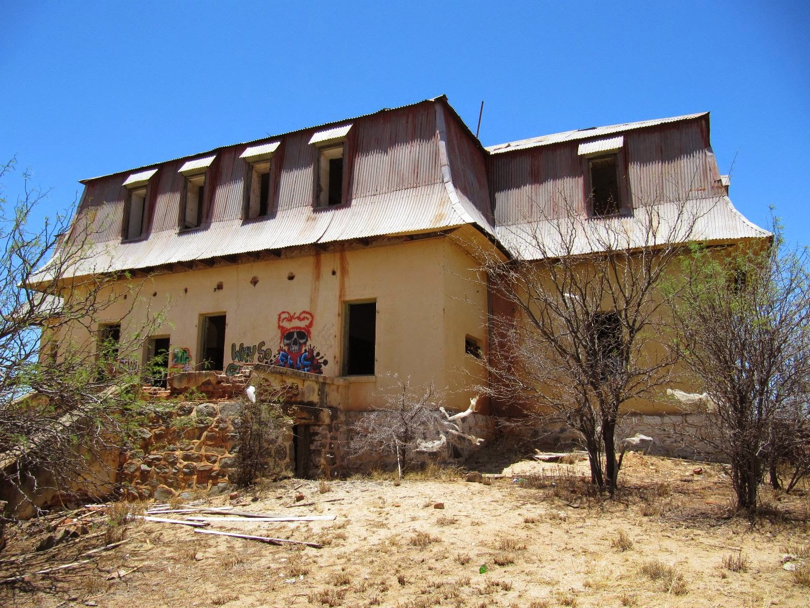 Liebig Ghost House Namibia - www.namibweb.com/house.htm