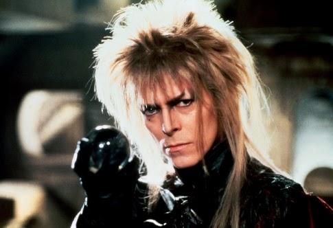 Jarreth, el rey de los goblins interpretado por David Bowie, quien hara hasta lo imposible porque Sarah no decifre el laberinto