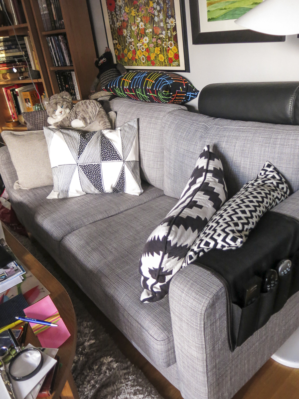 soffa, vardagsrum, kuddar