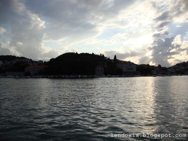 sivo nebo i more
