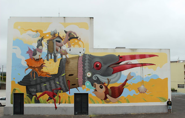 Dulk recently spent some time in Galicia, Spain where he was invited to paint a new piece in the city of Carballo.