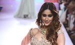 Illeana sizzling Ramp Walk at Lfw 2015-thumbnail