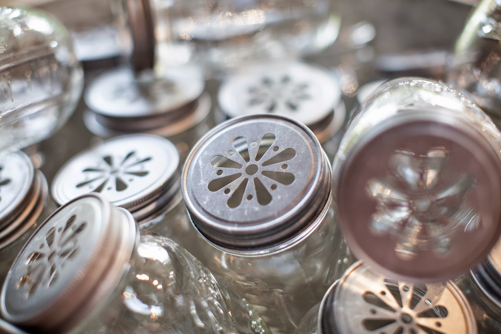 Mason jars with decorative lids for parties