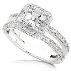 Why Do Gold Engagement Rings Have A Platinum Mount