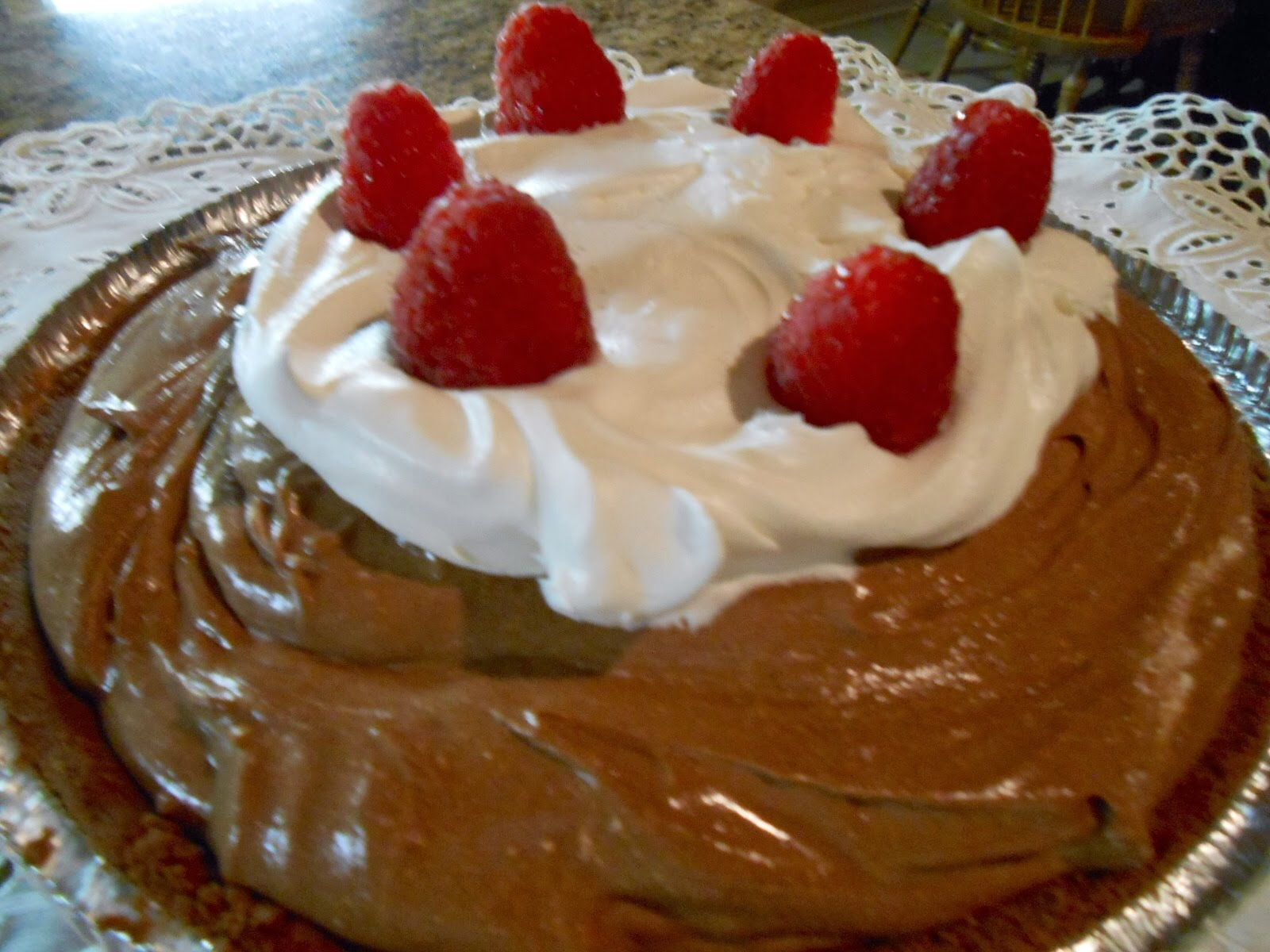 Kitty's Kozy Kitchen: Chocolate Raspberry Mousse Pie
