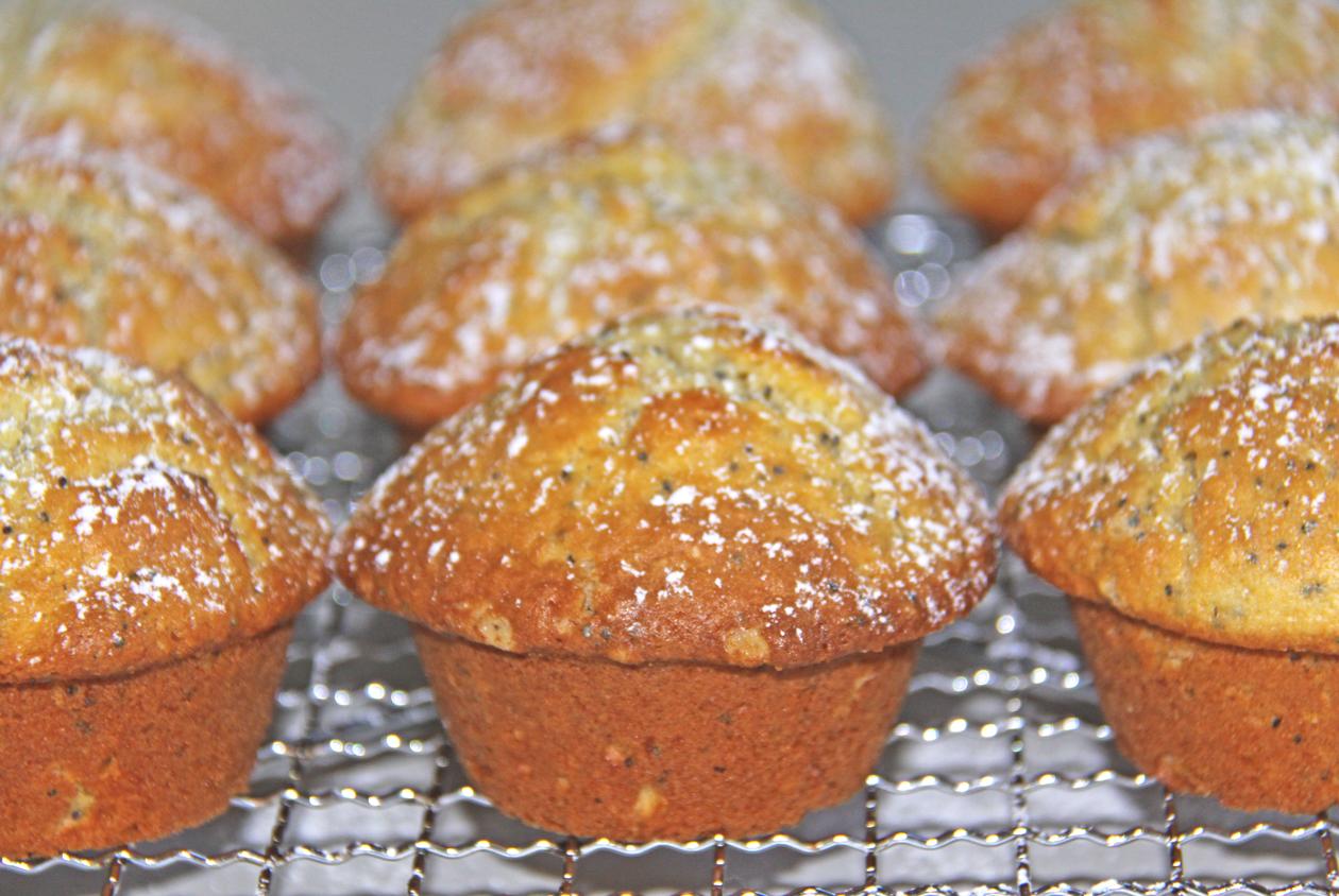 Budburst Kids: Orange & Poppy Seed Muffins