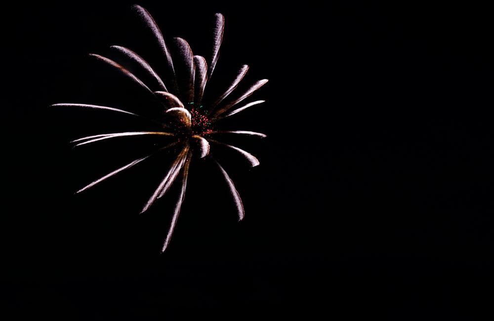 三脚なしで撮った花火の写真