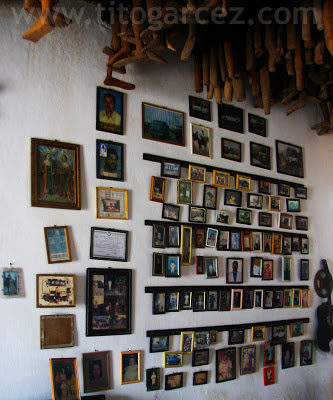 Fotos, documentos e partes do corpo humano no Museu dos Ex-Votos, em São Cristóvão - Sergipe