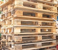 Pallet nhựa cũ ISO Chau Au tai Ha Noi