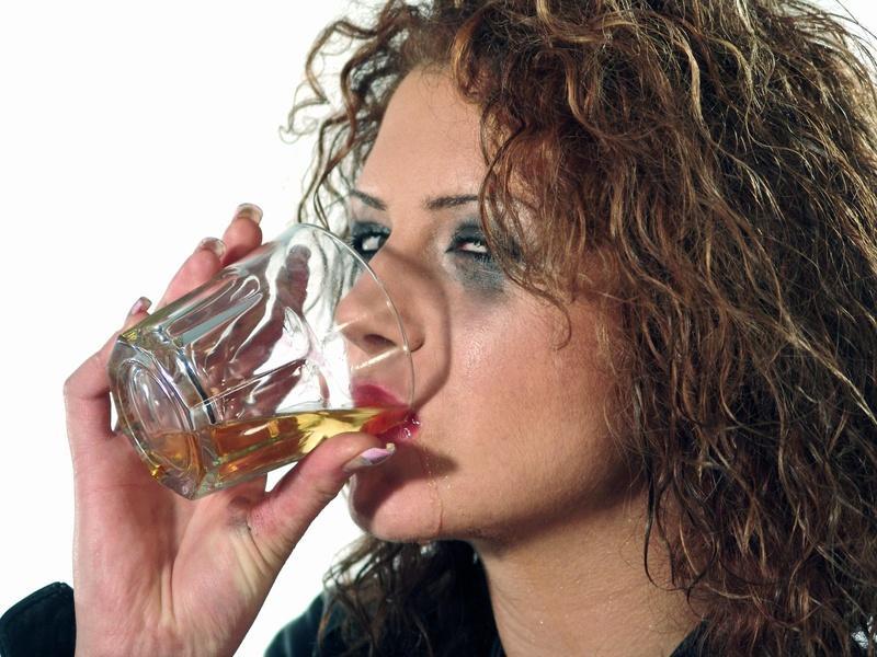 Депрессия после употребления алкоголя: развитие