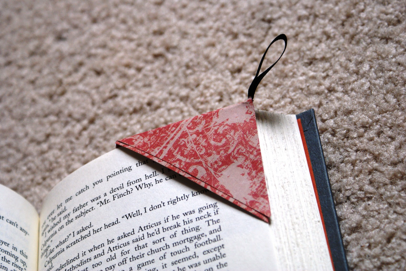 The Better Nester: How To Make A Page Corner Bookmark: Paper Edition!