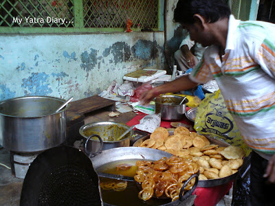 Kachori snack stall, Mathura