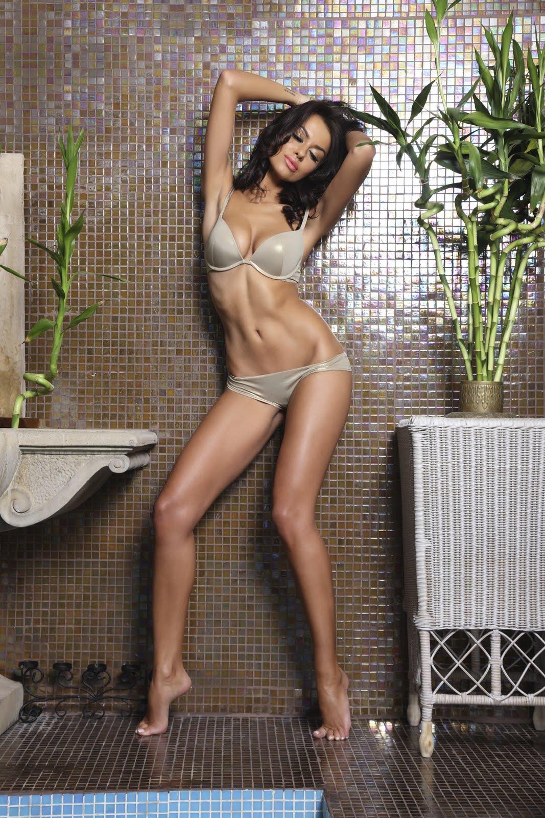 http://4.bp.blogspot.com/-O--O1Q0Qm1I/TfSP3-1MIDI/AAAAAAAAC1o/4UIXblIm39I/s1600/Natalia+Siwiec+hot+wallpaper7.jpg