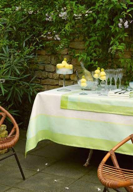 Victoria Muguet Le Jacquard francais. Mantel, camino de mesa y servilletas