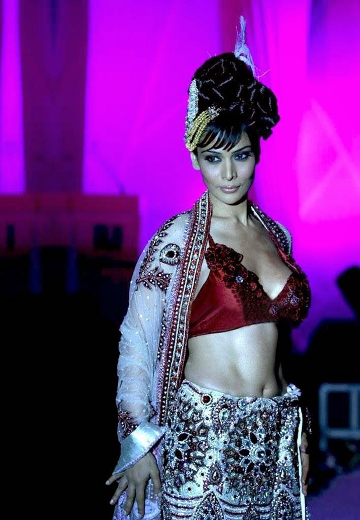 Anupama Verma On Ramp,Pamp Walk model Anupama Verma hot Pics HD Hottest Pics
