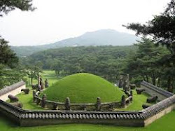 Royal Tombs of the Joseon Dynasty   李朝 王陵