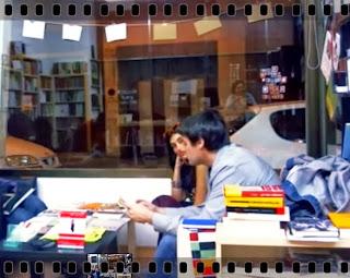 http://herederosdelkaos.blogspot.com.es/2013/12/una-conversacion-dos-voces-entre-mario.html