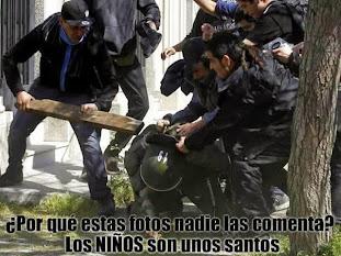 LOS DESCLASADOS DE UNIFORME, ELIGIERON SERVIR AL RICO...NOSOTROS PUEBLO, SERVIMOS AL PUEBLO.