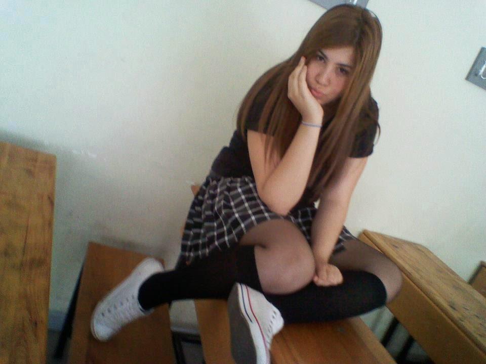 Porno Türk Tube Liseli Kız Kömürlükte Sikişiyor