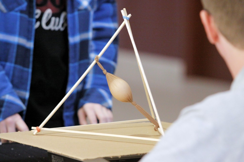 The lightest total structure weight that prevents the egg from ...