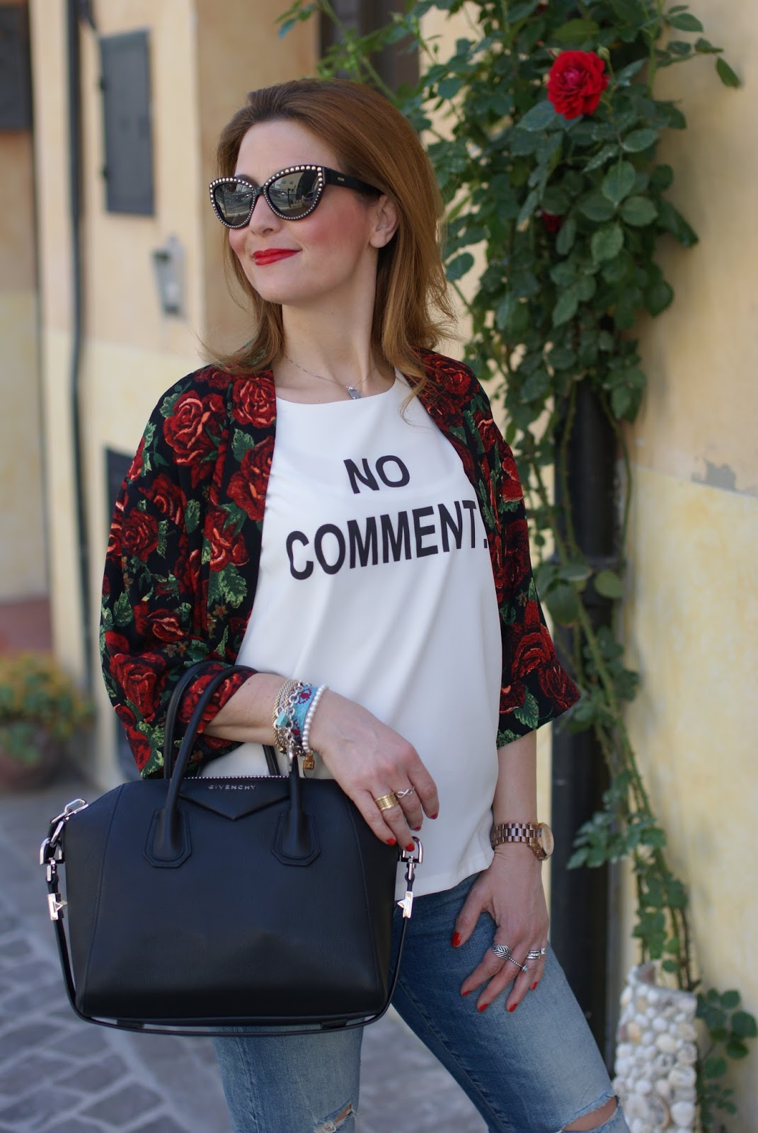 Moschino studded sunglasses, roses kimono jacket and givenchy antigona on Fashion and Cookies fashion blog