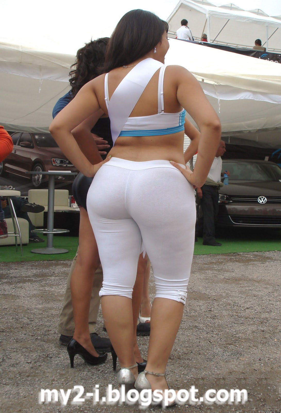 Naked White Women With Wide Hips Big Ass