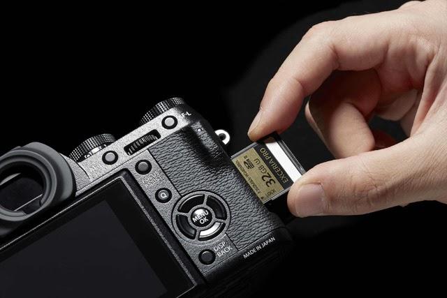 Slot per le schede di memoria della Fuji X-T1