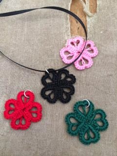 https://www.etsy.com/listing/176610897/tatted-lace-pendant-hearts-and-clover?