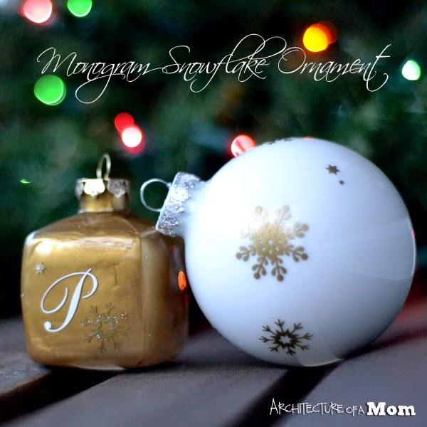 Christmas Craft perfect for you Christmas decorating ideas. Make your own decorative gilded balls out of paper. Tutorial. #Christmas #Crafts #Decorating #Ideas