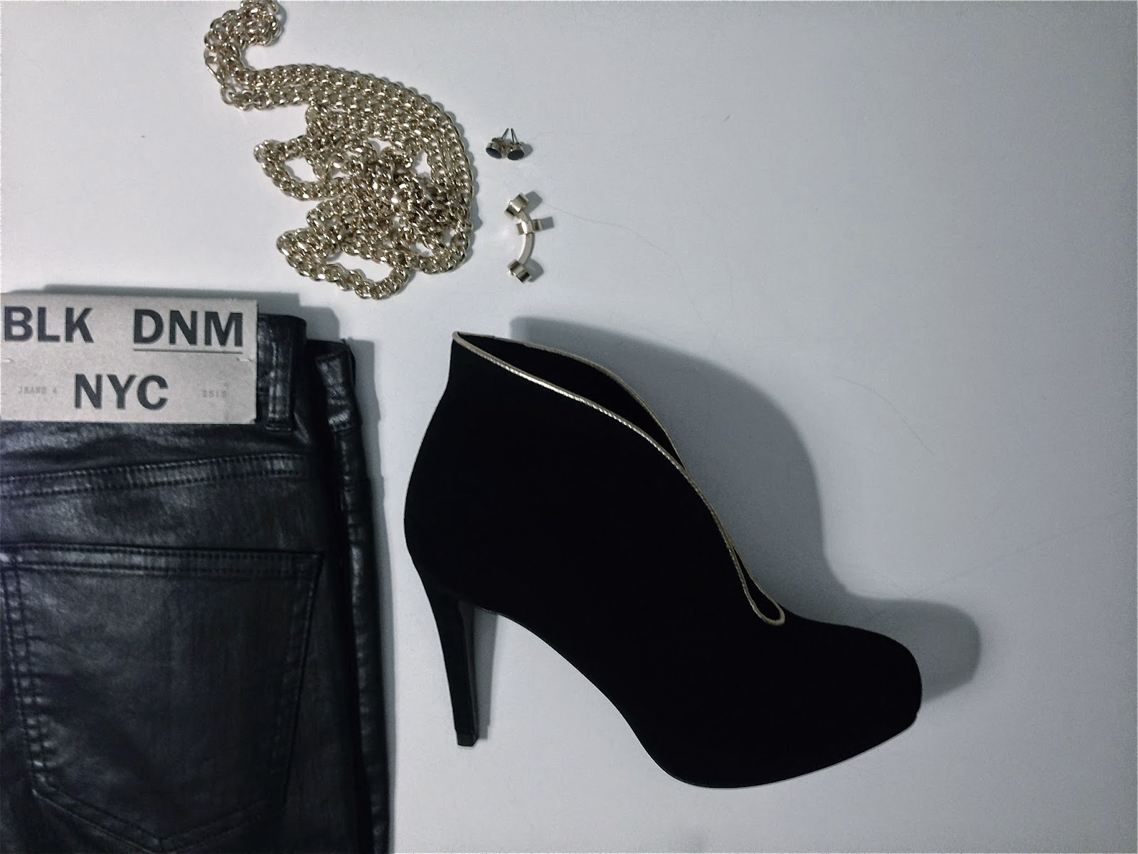 BLK  DNM,  Mentorfootwear, H&M