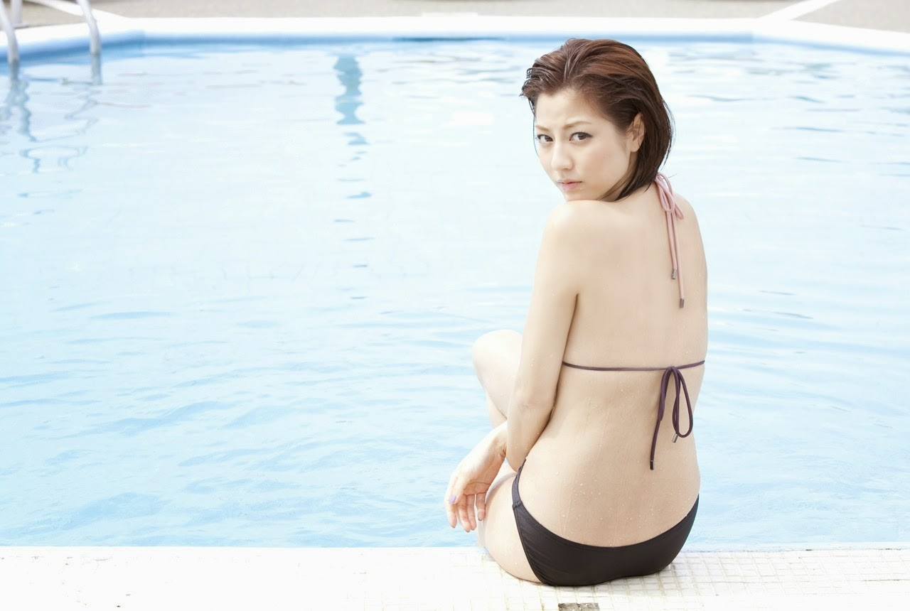 Yumi Sugimoto-Sexy-Hot-Pictures-gravure-idol-3