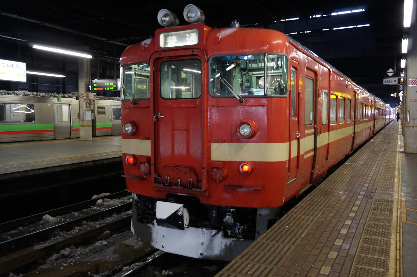 札幌駅停車中の711系