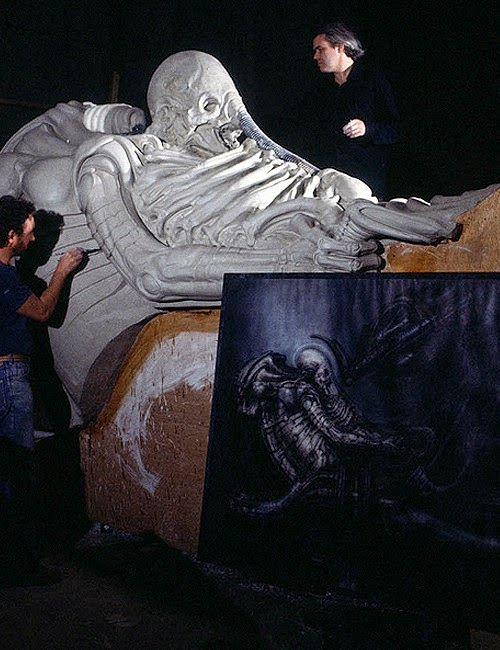 Giger making giant alien