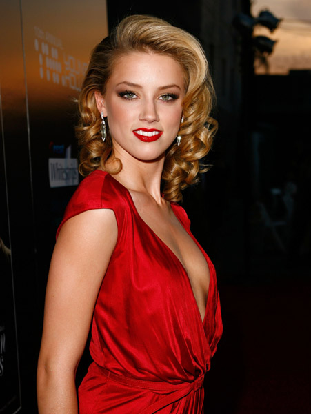 Amber Heard Red Dress