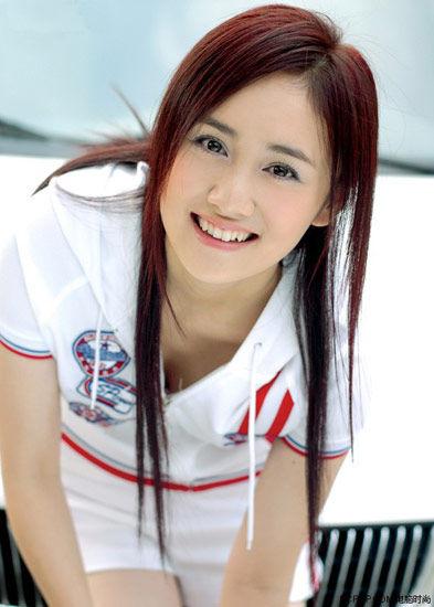 http://4.bp.blogspot.com/-O0lKWIOFMbc/TYwoXNf92iI/AAAAAAAAAYc/DtJdFQ26jyY/s1600/cute%2Bgirl%2Blong%2Bhairstyle.jpg